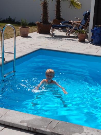 Gustav badar i poolen