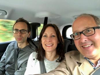 Mammas och Ingmars nya bil var rymlig i baksätet så här satt vi bra!