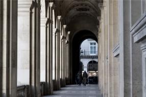 Nära Louvren